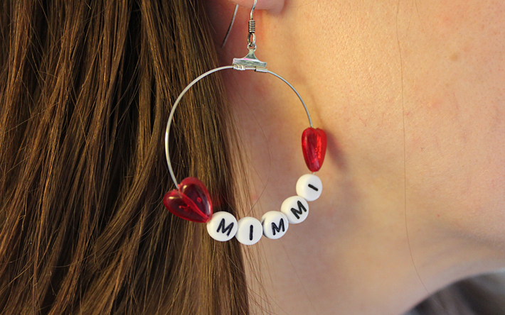 earring with letter beads Mimmi